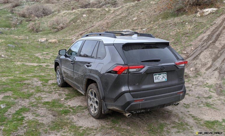 2020 RAV4 TRD Off-Road - Car-Revs-Daily.com Matt Barnes (18)