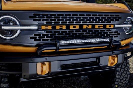 Bronco_2dr_features_08