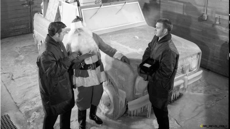 ford-bronco-with-santa (1)