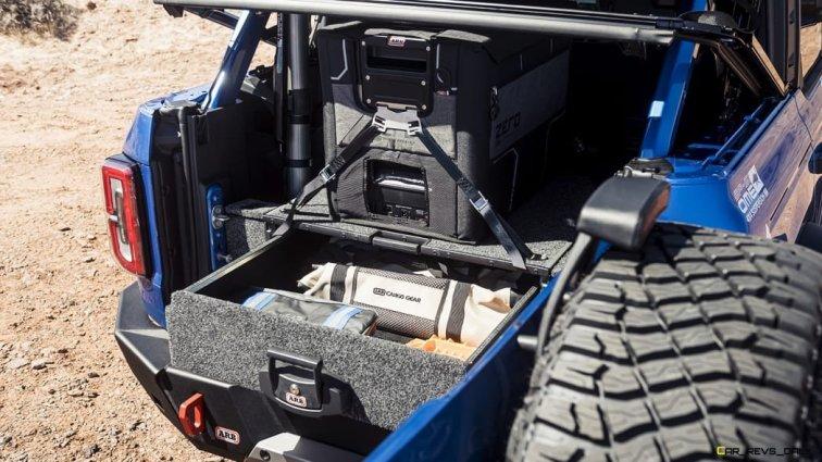 4-Wheel-Parts-custom-Bronco-four-door-SUV_07
