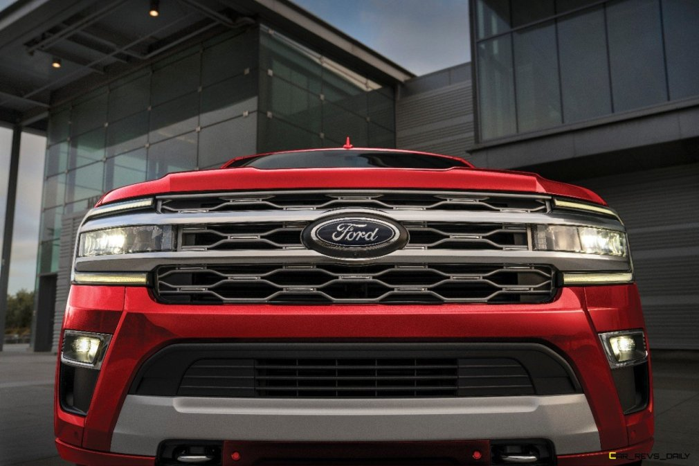2022 Ford Expedition Platinum_Rapid Red_01