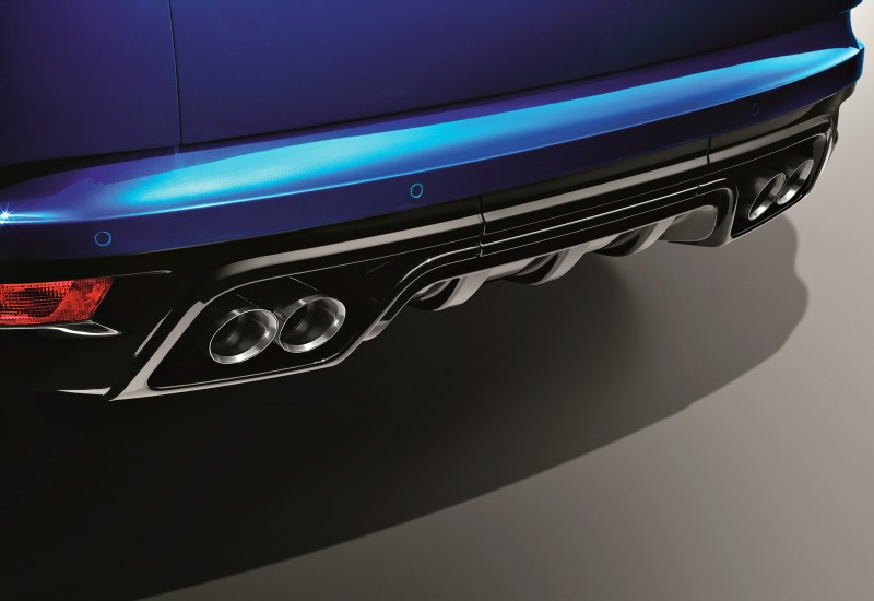 4.5s, 162MPH 2015 Range Rover Sport SVR is Official 9