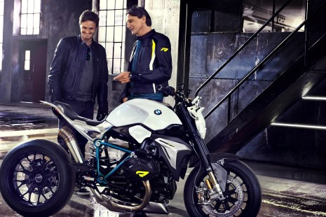 BMW Motorrad - Concept Roadster is Boxer Basics Motorcycle for Lake Cuomo 20