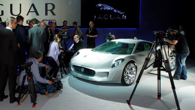 Canned Hypercar Debrief - 2010 JAGUAR C-X75 Is Too Sexy For Its Turbines 18