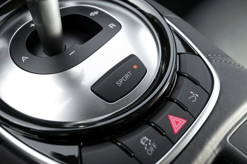 Car-Revs-Daily.com 2014 AUDI R8 V10 Plus in Sepang Matte Metallic Blue 27