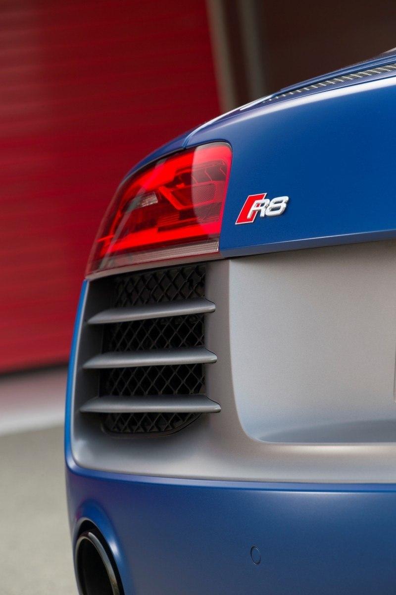 Car-Revs-Daily.com 2014 AUDI R8 V10 Plus in Sepang Matte Metallic Blue 94