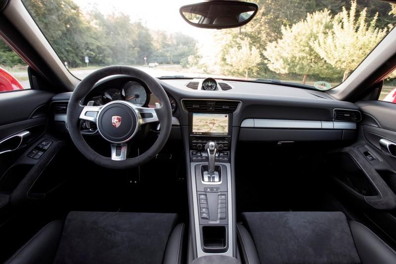 Car-Revs-Daily.com 2014 Porsche 911 GT3 is Race-Ready Street Car 10