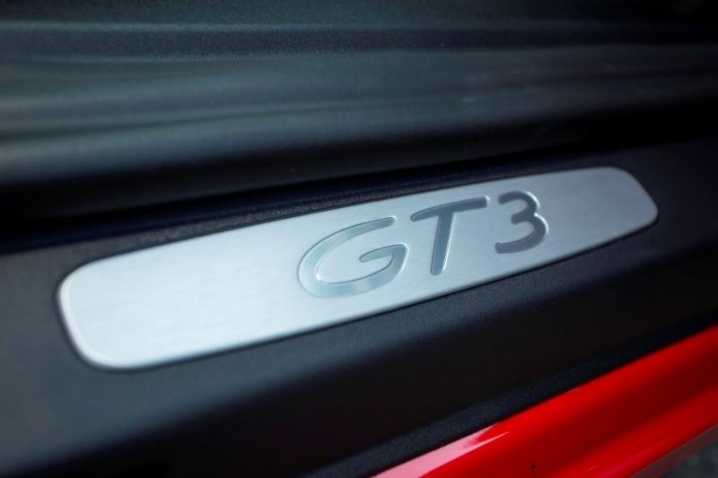 Car-Revs-Daily.com 2014 Porsche 911 GT3 is Race-Ready Street Car 9