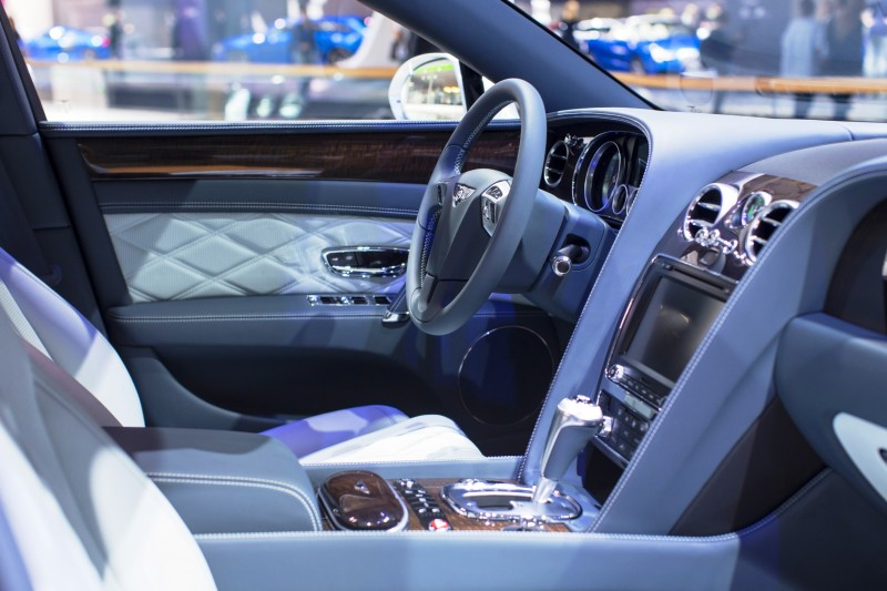 Car-Revs-Daily.com 2015 Bentley Flying Spur V8 Debuts in Moscow 21