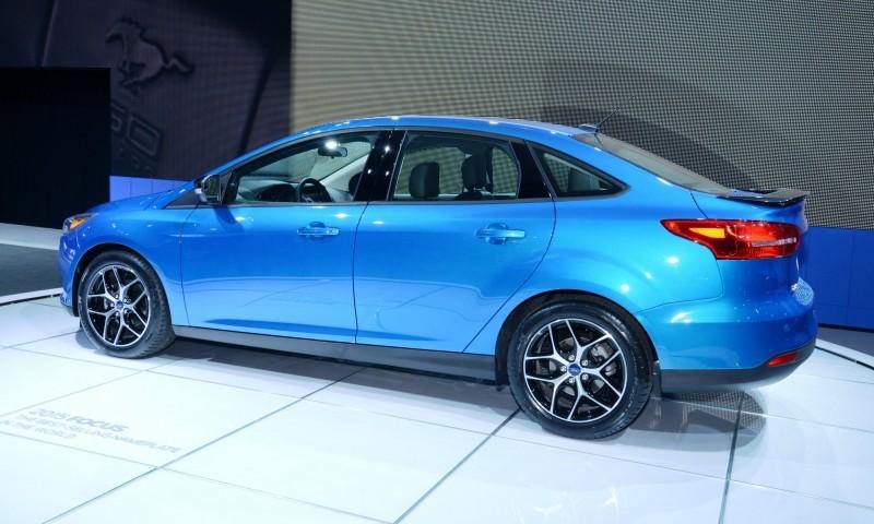 Car-Revs-Daily.com 2015 Ford Focus 40