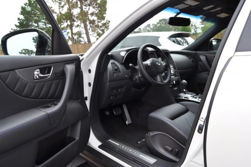 Car-Revs-Daily.com 2015 INFINITI QX70S 6