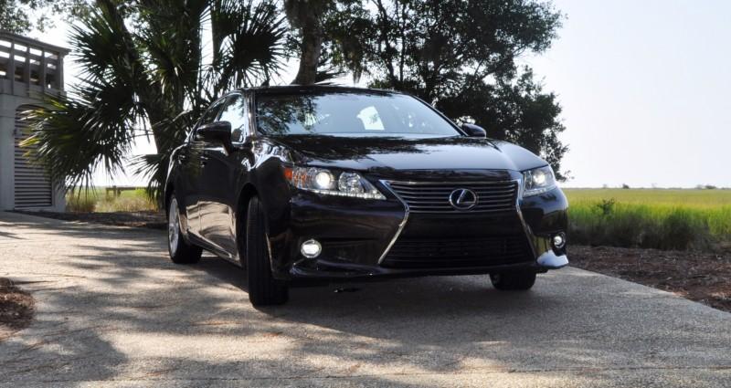 Car-Revs-Daily.com 2015 Lexus ES300h Review 33