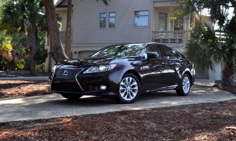 Car-Revs-Daily.com 2015 Lexus ES300h Review 38