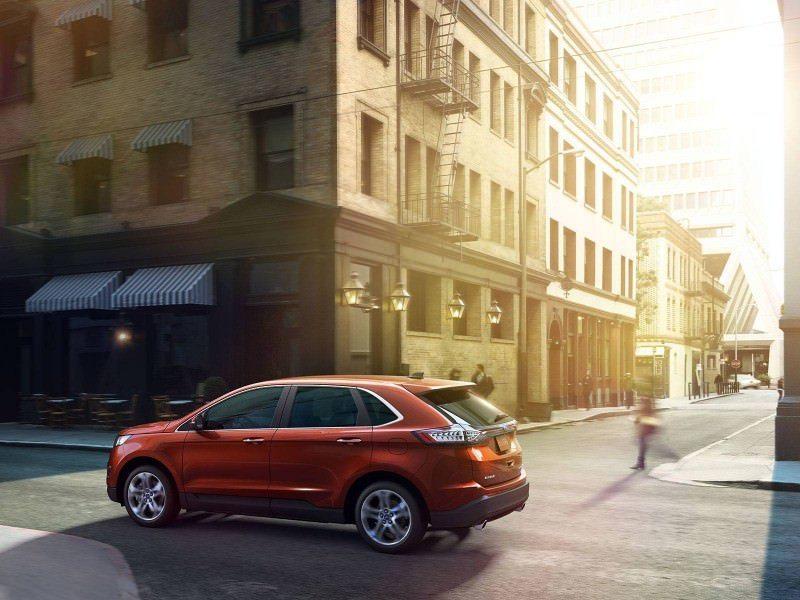 Car-Revs-Daily.com EXTERIOR GALLERY 2015 Ford Edge 85