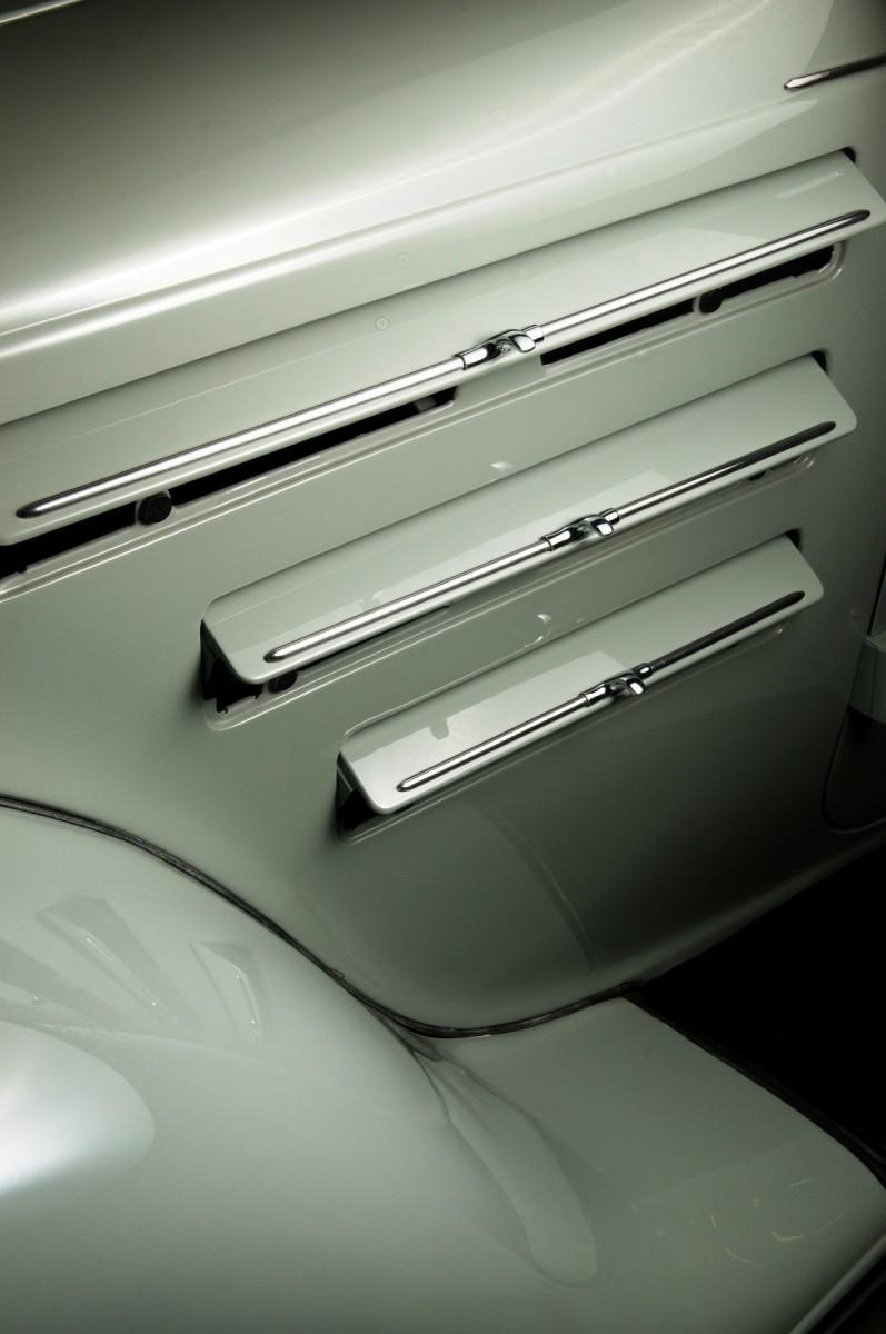 Car-Revs-Daily.com RM Auctions Motor City 2014 Preview - 1934 Chrysler Airflow Eight Sedan 18