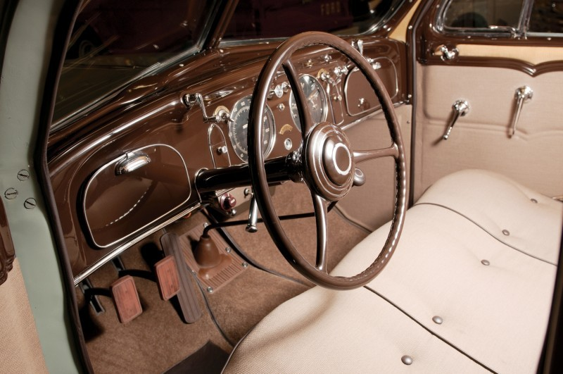 Car-Revs-Daily.com RM Auctions Motor City 2014 Preview - 1934 Chrysler Airflow Eight Sedan 4