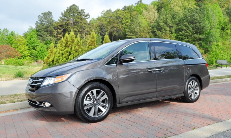 Car-Revs-Daily.com Road Test Review - 2014 Honda Odyssey Touring Elite 13
