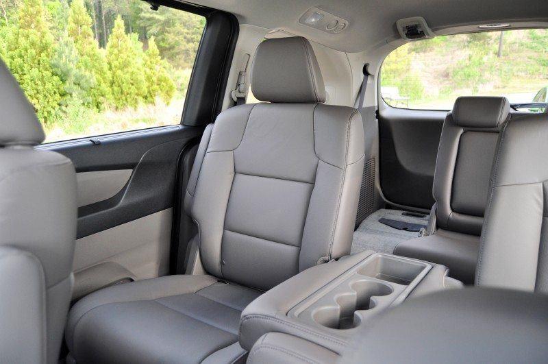 Car-Revs-Daily.com Road Test Review - 2014 Honda Odyssey Touring Elite 18
