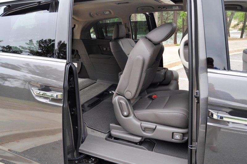 Car-Revs-Daily.com Road Test Review - 2014 Honda Odyssey Touring Elite 29