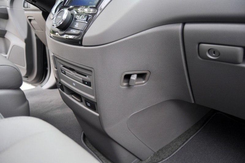 Car-Revs-Daily.com Road Test Review - 2014 Honda Odyssey Touring Elite 31