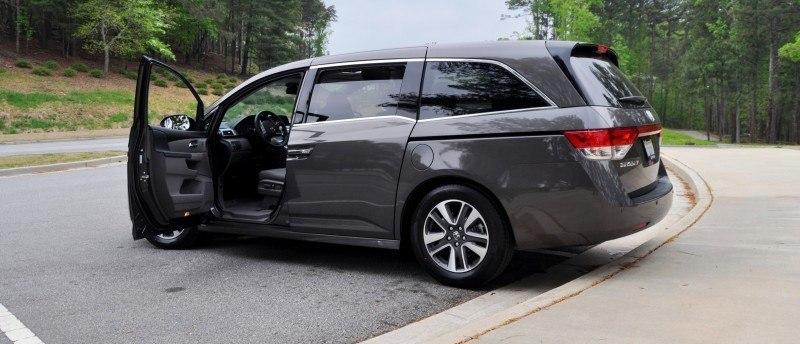 Car-Revs-Daily.com Road Test Review - 2014 Honda Odyssey Touring Elite 40