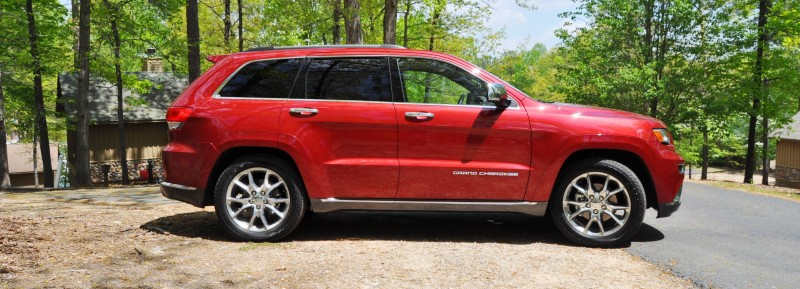 Car-Revs-Daily.com Road Test Review - 2014 Jeep Grand Cherokee Summit V6 25