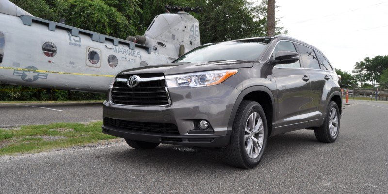 Car-Revs-Daily.com Road Test Review - 2014 Toyota Highlander XLE V6 66