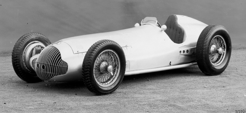CarRevsDaily - Hour of the Silver Arrows - Action Photography 63