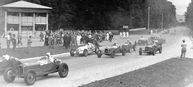CarRevsDaily - Hour of the Silver Arrows - Action Photography 75