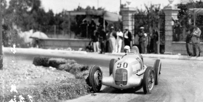 CarRevsDaily - Hour of the Silver Arrows - Action Photography 91