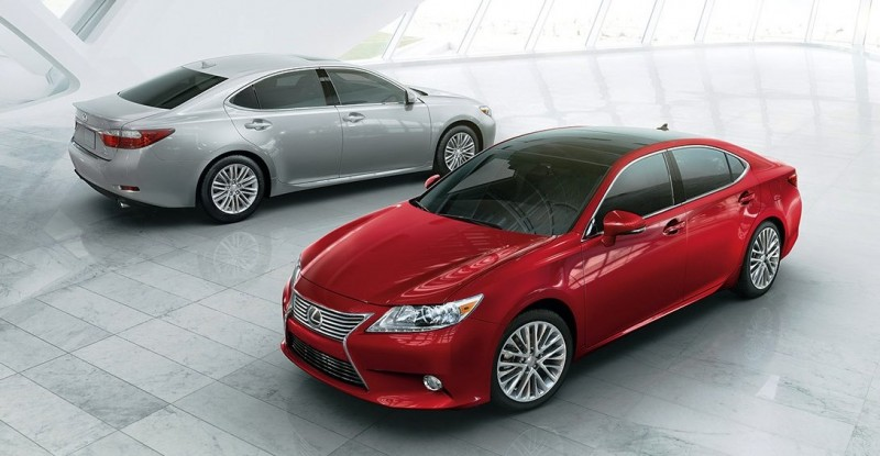 ES-exterior-two-cars-keyfeatures-1204x677-E31451-2014-Lexus