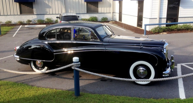 Iconic Classic - 1959 JAGUAR Mark IX Is Blue-Blood Royalty With Most Divine Cabin of the 1950s 4
