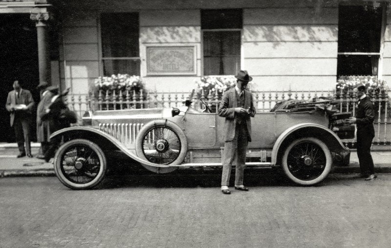 Past and Future Perfect - Rolls-Royce Is Evergreen in 111-Year History - 111 RARE Photos To Celebrate 27