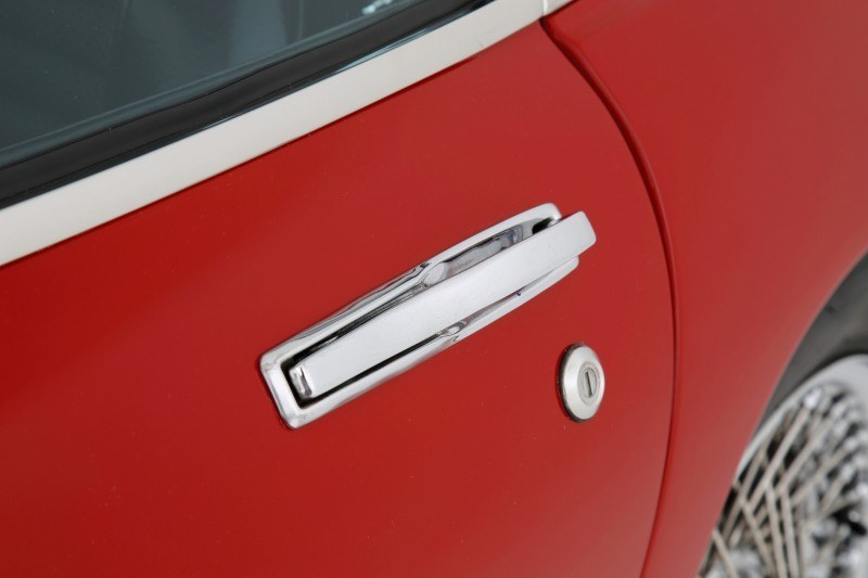 RM Auctions Monaco 2014 Highlights - 1968 Toyota 2000GT Joins Rare Million-Plus Japanese Car Club  19
