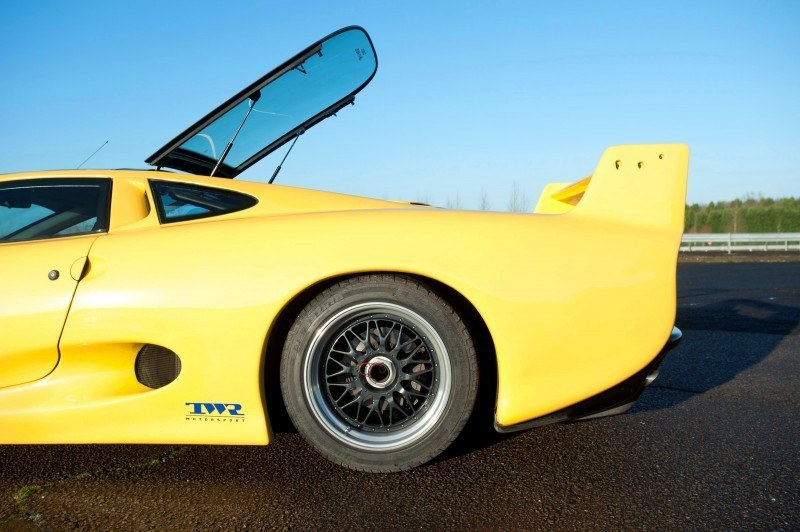 Supercar Icons - 1992 JAGUAR XJ220 Still Enchants the Eye and Mind, 22 Years Later 12
