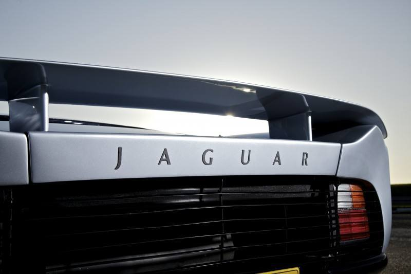 Supercar Icons - 1992 JAGUAR XJ220 Still Enchants the Eye and Mind, 22 Years Later 20