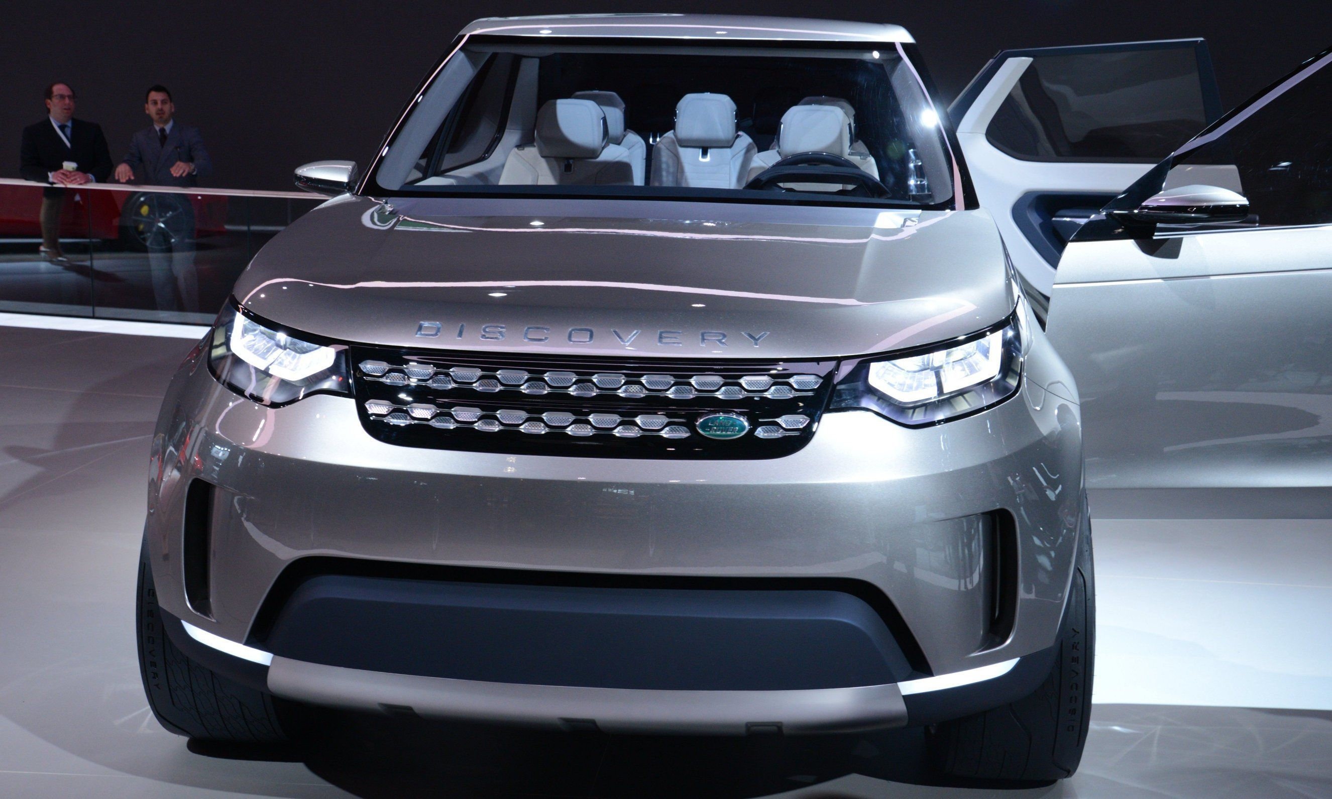 Update1 Land Rover Discovery Concept Previews 2016 LR4