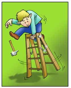 Un uomo sta cadendo da una scala pieghevole.