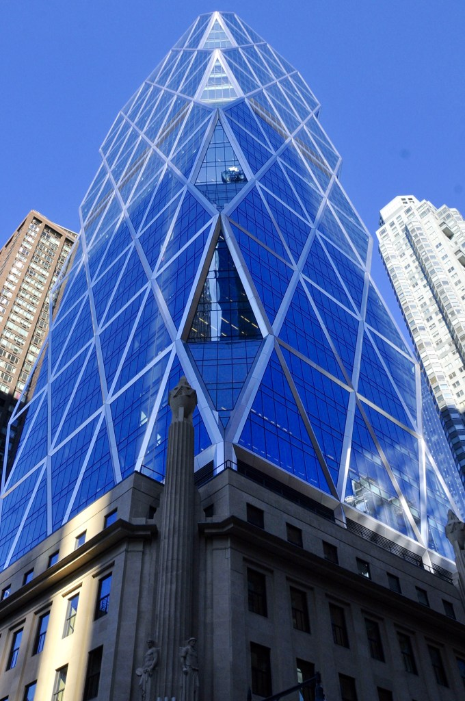 New-York - Glass Building - ©JCHERIX
