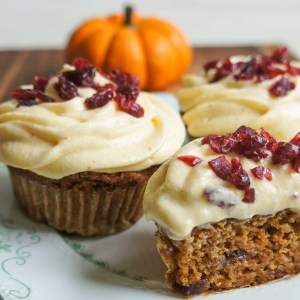 Easy recipe for decadent pumpkin carrot cupcakes