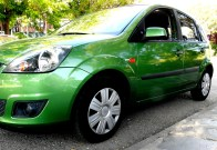 Ford Fiesta - car and gas - lateral izq
