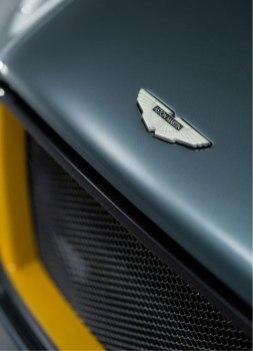 aston_martin_CC100_speedster_concept_3