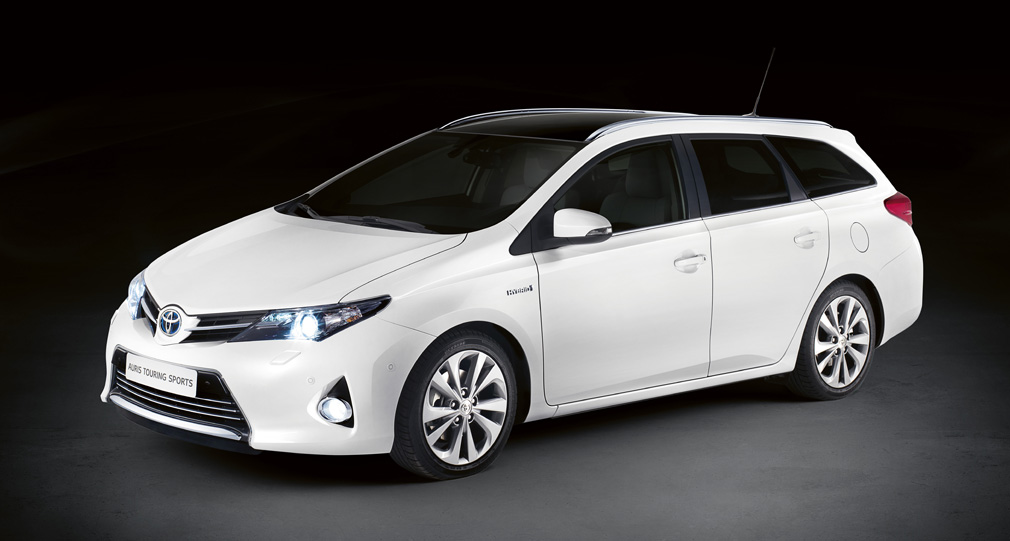 toyota-auris-touring-sports