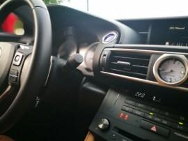 Reloj Lexus RC300h