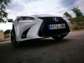 Frontal Lexus GS 300h