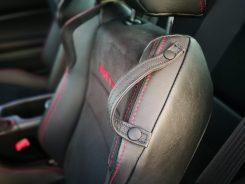 Detalle guía cinturón de seguridad