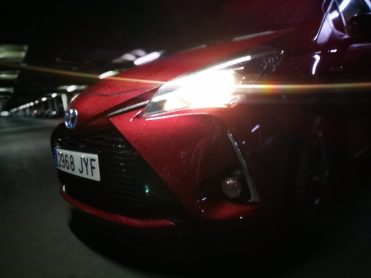 frontal Toyota Yaris hibrido