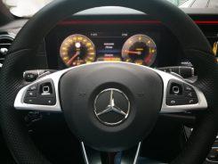 Mercedes Benz Clase E 220D detalle volante