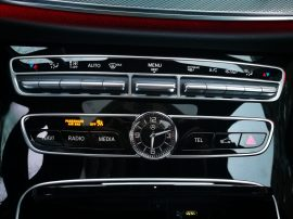 Mercedes Benz Clase E 220D reloj