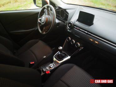Inerior Mazda 2